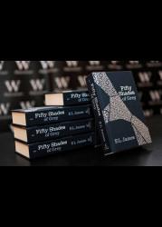 """Серия книг """"50 оттенков серого"""" по порядку"""
